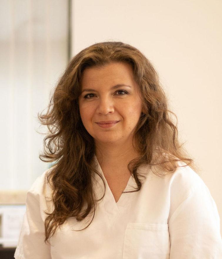 Irina Szmelskyj Award-Winning Acupuncturist in Cambridge